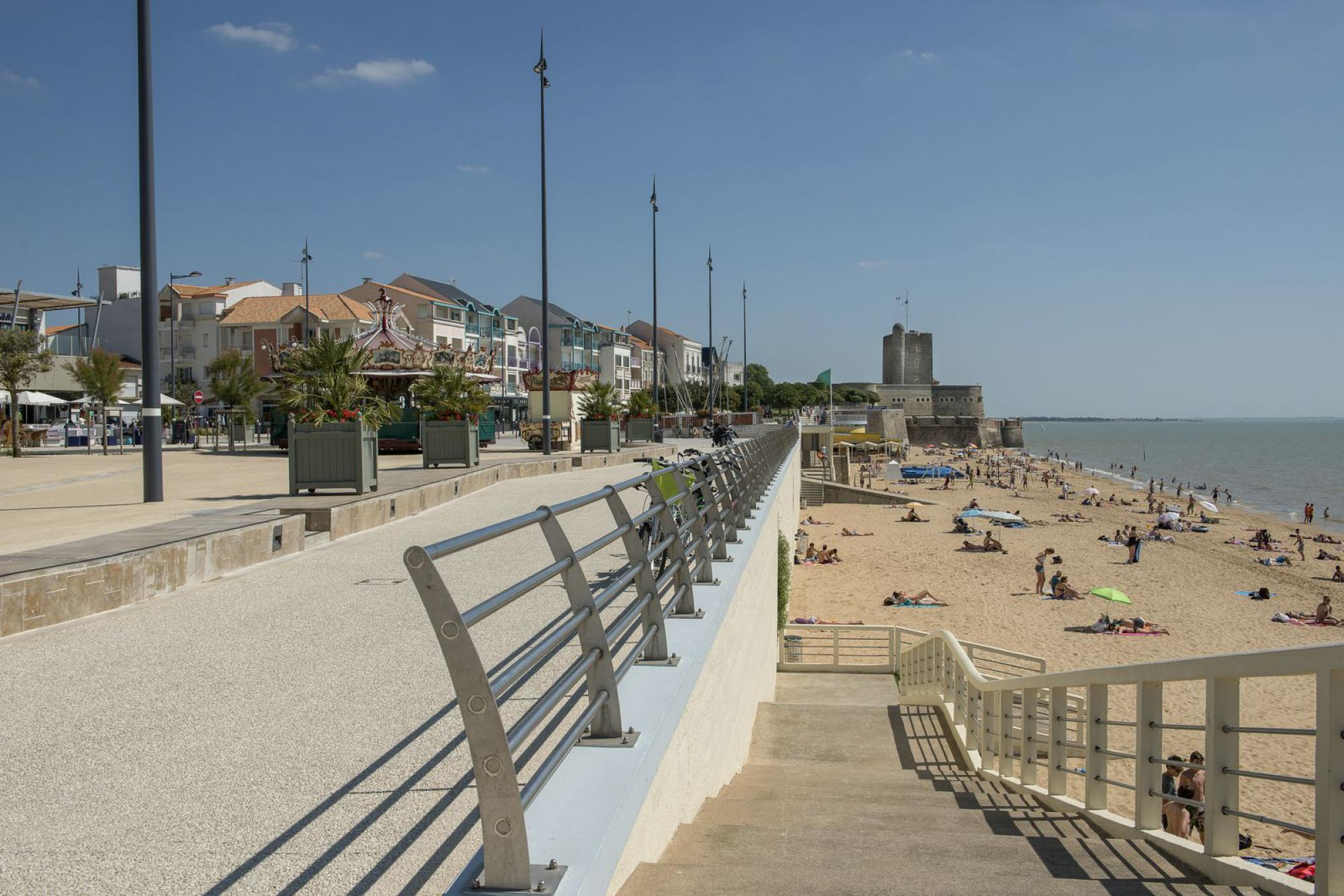 Liens de l 39 h tel rochefort h tel de france 2 toiles rochefort sur mer centre ville - Office tourisme fort de france ...